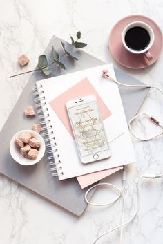 42 New Ideas For Fitness Wallpaper Inspiration Products Flat Lay Photography, Book Photography, Product Photography, Marble Gold, Accessoires Iphone, Inspirational Wallpapers, Flatlay Styling, Coffee And Books, Pink Tone