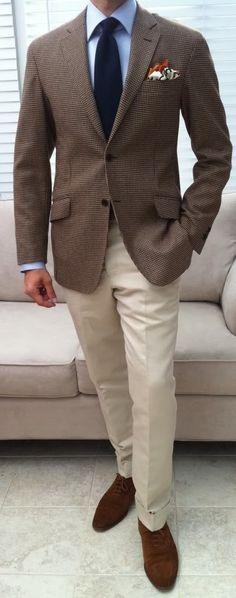 te he VISTO vestido con ropa de este estilo...un consejo: si pensabas vestirte así, NO LO HAGAS. De hecho, la visión era todavía peor. NO AL MARRÓN. PORQUE NO ES UN ELEGANTE TONO NEUTRO...ES MARRÓN. QUE NO TE ENGAÑEN.