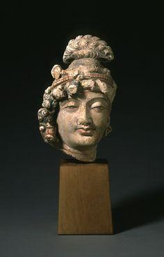 Head of a Bodhisattva. Afghanistan, Gandhara region, Hadda, 4th-5th century. Sculpture.