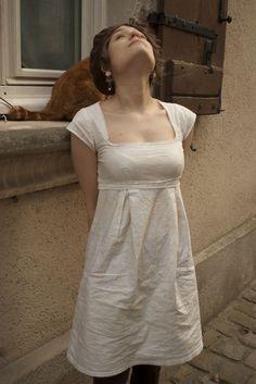 Petite robe empire par moun - thread&needles Plus Sewing Clothes, Diy Clothes, Diy Fashion, Fashion Dresses, Fashion Design, Washi Dress, Casual Dresses, Short Dresses, Couture Makeup