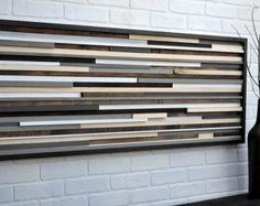 Madera de la pared arte - reciclado arte escultura de madera  Hecho a la medida: Nuevo diseño de Goteo. Arte de la pared hermosa hecha de pedazos individualmente cortados y manchados de restos de madera reciclado. Las piezas principales son mayormente de aliso que es teñido en nogal oscuro y la luz son sobre todo pedazos de la madera de arce. La madera para esta pieza fue rescatada de la pila de desecho de una tienda de muebles local.  Esta pieza es de 36 x 36 pulgadas.  Su hecho pedir…