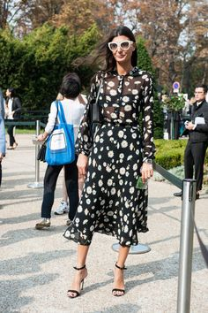 Giovanna Battaglia. Paris Fashion Week street style. Photo: Imaxtree.