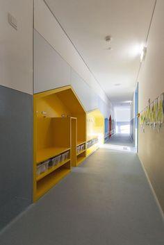 Colégio Horizonte / ÔCO Architectural Ideas and Projects - Einrichtungsstil Education Architecture, School Architecture, Interior Architecture, Interior Design, Kindergarten Interior, Kindergarten Design, Daycare Design, Classroom Design, Theme Design