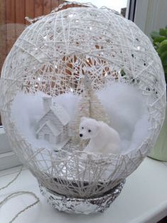 In this DIY tutorial, we will show you how to make Christmas decorations for your home. The video consists of 23 Christmas craft ideas. Easy Christmas Crafts, Diy Christmas Ornaments, Christmas Projects, Simple Christmas, White Christmas, Christmas Wreaths, Christmas Design, Fall Crafts, Silver Christmas Decorations
