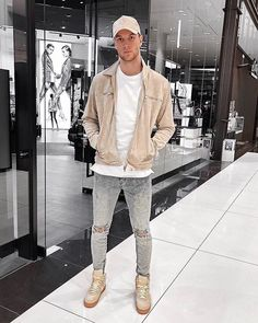 Style by @nilskretschmer_ Via @gentwithstreetstyle Yes or no? Follow @mensfashion_guide for dope fashion posts! #mensguides #mensfashion_guide