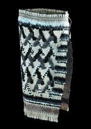 maori weaving images - Google Search Flax Weaving, Feather Cape, Maori Designs, Maori Art, Cloaks, Kite, Textiles, Tapestry, Embroidery