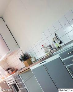 60-talskök - 5 idéer till ditt hem Marimekko, Kitsch, Ikea, Kitchen Cabinets, House Styles, Home Decor, Pictures, Decoration Home, Ikea Co
