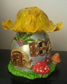 Môj prvy pokus o domček z hliny Jars, Projects To Try, Table Lamp, Home Decor, Lamp Table, Pots, Jar, Table Lamps, Interior Design
