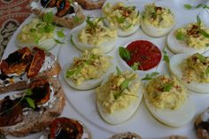 Deviled Eggs for dinner? Why not.  Green With Renvy: Meatless Monday