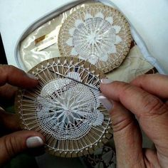 Pin by Cheryl Washington on Lace Teneriffe, Needle Lace, Bobbin Lace, Hand Embroidery, Cross Stitch Embroidery, Weaving Wall Hanging, Loom Knitting Projects, Crochet Needles, Yarn Thread