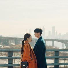 Touch Your Heart Fashion - Yoo In-na - Shoulder Bag New Korean Drama, Goblin Korean Drama, Yoo In Na Fashion, Korea Fashion, Korean Celebrities, Korean Actors, Korean Dramas, Yoo In Na Goblin, Layering Trends