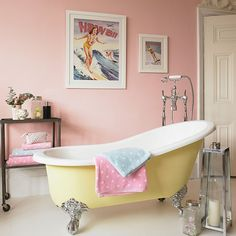Awesome How To Create The Perfect Pastel Bathroom Impressionante como criar o banheiro Pastel perfeito Girl Bathrooms, Vintage Bathrooms, Rustic Bathrooms, Bathrooms Decor, Vintage Tub, Vintage Decor, Vintage Style, Vintage Pink, Modern Bathroom