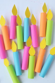 DIY birthday candle garland tutorial Source by jodimckee Homemade Birthday Decorations, Office Birthday Decorations, Diy Diwali Decorations, Paper Decorations, Birthday Diy, Birthday Garland, Diy Party Garland, Party Girlande, Diy Girlande