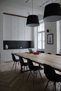 Floorboards and splash back Like the charcoal colour. Definitely do not like black. Want something a little softer if used