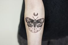 IDEA 2 • Smaller moth, different design, more of flash and not realism. Stippling / dot work over shading and color.