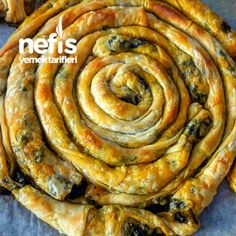 Çıtır Çıtır Ispanaklı Börek Tarifi nasıl yapılır? 368 kişinin defterindeki bu tarifin resimli anlatımı ve deneyenlerin fotoğrafları burada. Yazar: ↪ Mevra' nın mutfağı