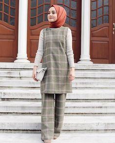 Biraz g l yahu De mez vallahi bu d nya a Muslim Fashion, Modest Fashion, Hijab Fashion, Muslim Girls, Muslim Women, Suits You, Cool Suits, Hijab Sport, Hijab Stile