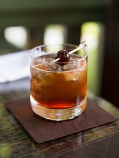 Whiskey old fashioned press 79