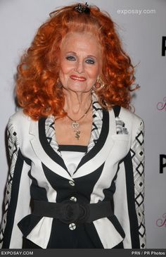 Wow, Tempest Storm is still. Use to see her in Atlanta for lunch? Tempest Storm, Beautiful Old Woman, Showgirls, Pin Up Girls, Older Women, Burlesque, Celebrity Photos, Redheads, Playboy