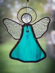 Deze prachtige engel zon catchers maken een geweldig cadeau voor de komende feestdagen! Ze komen in een verscheidenheid van kleuren dat bent u in staat te kiezen voor jezelf. De engelen zijn voorzien van lint gekoppeld aan een haak op de rug voor opknoping.  Afmetingen: 5 in lang x 4 in brede  ** Zuignap cups beschikbaar op aanvraag! **