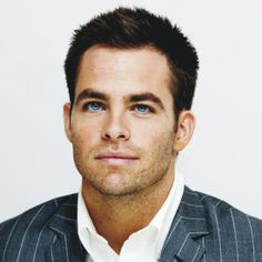 View yourself with Chris Pine hairstyles and hair colors. View styling steps and see which Chris Pine hairstyles suit you best. Beautiful Eyes, Gorgeous Men, Pretty Eyes, Hello Gorgeous, Simply Beautiful, Look At You, How To Look Better, Hot Men, Sexy Men
