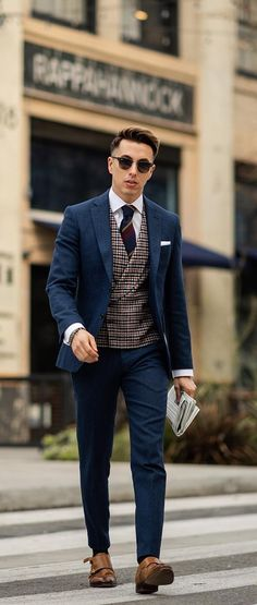 12 Classy Ways To Nail Office Dressing This Year Blazer Outfits Men, Mens Fashion Blazer, Men Fashion Show, Mens Fashion Blog, Suit Fashion, Ankara Fashion, Fashion Addict, Daily Fashion, Fashion Tips