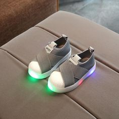 pretty nice 6f282 1fe24 KKABBYII Kids LED Sneakers Breathable Children Sports Shoes For Baby Girls  Boys Luminous Shoes with Light