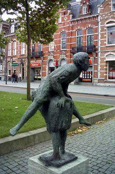 9 Bossche standbeelden waar je de achtergronden niet van kende - Den Bosch - dichtbij.nl - Den-Bosch