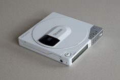 "Døgen's ""Sony Discman D-150 / D-15"""