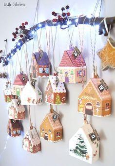 (DIY Christmas) The clever advent calendar - Noël - noel Homemade Advent Calendars, Diy Advent Calendar, Felt Christmas Decorations, Christmas Ornaments, Christmas Tables, Cool Gingerbread Houses, Gingerbread House Template, Advent Calenders, Navidad Diy