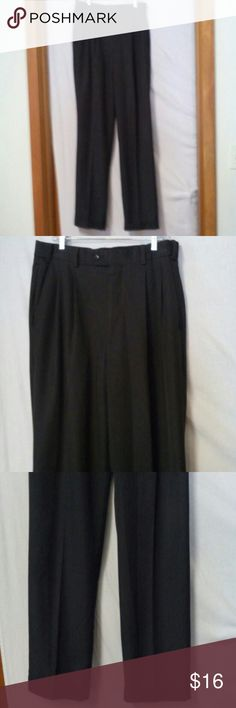 """Van heusen mens size 34 X 32"""" inseam dress pants Barely worn, zipper with an inside metal closure and outside button, pleated, two front pockets and two back slit buttoned pockets, polyester and rayon, front rise 12"""" Van Heusen Pants Dress"""