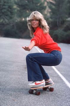 Farrah Fawcett - 1976.  Charlie's Angels - great TV series - pure escapism along with Hart to Hart, Fantasy Island etc.