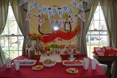 Mulan the Heroine Theme Chinese Food Chinese Theme Parties, Chinese Party, Chinese New Year, Chinese Food, Food Pyramid, Disney Birthday, Preschool Themes, Picnic Foods, Vietnamese Recipes