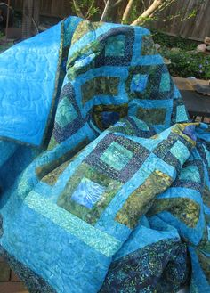 King Quilt  Batik by QuiltsintheCity on Etsy, $435.00