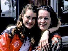 Brooke Shields Writes About Alcoholic Mom Teri in New Memoir - Us ...