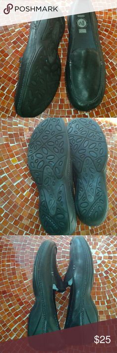 Merrell Parma NEW loafers ortholite cushioned Brand new never worn. Black leather with ortho foam soles. Extremely  comfortable! Merrell air cushion Merrell Shoes Flats & Loafers
