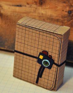 une boite et son mini d'edwige bufquin super mimi