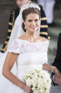 Princess Madeleine of Sweden Valentino Wedding Dress Famous Wedding Dresses, Royal Wedding Gowns, Royal Weddings, Bridal Dresses, Princesa Kate Middleton, Pippa Middleton, Royal Tiaras, Royal Brides, Princess Victoria