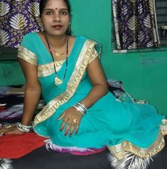 Beautiful Girl In India, Gorgeous Women, Indian Beauty Saree, Indian Sarees, Bhabhi Pics, Aunty Desi Hot, Girl Number For Friendship, Saree Models, Girl Body