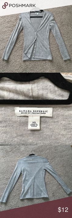 Banana Republic Cardigan - xs Grey cardigan in good used condition. No pilling. Banana Republic Sweaters Cardigans