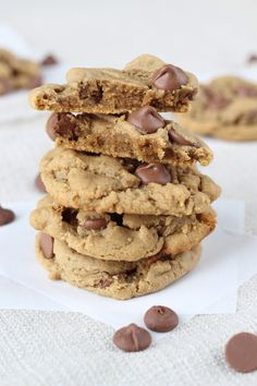 These rich flourless peanut butter cookies with milk chocolate chips taste just like peanut butter cups! Pass the milk!