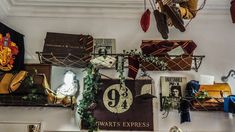The Ultimate Self-Guided Harry Potter Tour in Edinburgh locations) Harry Potter Scotland, Harry Potter Tour, Harry Potter Books, Visit Edinburgh, Edinburgh City, Reception Rooms, Ladder Decor, Tours, Reception Halls
