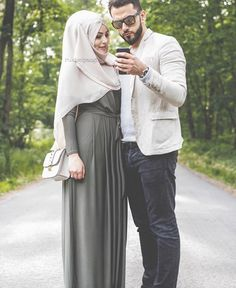 There are many ways to express your love, One of them is taking beautiful couple images with you Bae in styles. Romantic Couple Images, Cute Couple Images, Cute Love Couple, Couples Images, Couples In Love, Romantic Couples, Romantic Weddings, Muslim Brides, Muslim Women