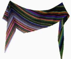 Ein sehr einfach zu strickendes asymmetrisches Dreiecktuch aus 100g Wolle, das auch gut als Schal funktioniert. Jedes Garn mit ca. 200m LL/ 50g ist dafür geeignet.