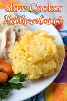 Slow Cooker Hash Brown Casserole - This classic side dish is made with just 6 simple ingredients in a crock pot! Perfect for the holidays and so easy to make! Slow Cooker Hash Brown Casserole   Crock Pot Hash Brown Casserole   Hashbrown Casserole Crock Pot Slow Cooker, Crockpot Meals, Freezer Meals, Slow Cooker Recipes, Potato Recipes, Lunch Recipes, Dinner Recipes, Friend Recipe, Vegetable Side Dishes