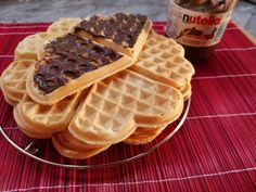 Ropogós gofri (tejmentes) Waffles, Pancakes, Cake Cookies, Nutella, Sandwiches, Paleo, Food And Drink, Drinks, Breakfast