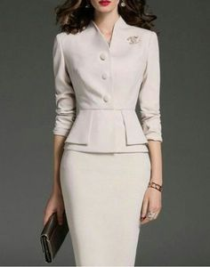 Style classic elegant womens fashion Ideas for 2019 Paris Chic, Office Fashion, Work Fashion, Fashion Design, Fashion Fashion, Dress Outfits, Fashion Dresses, Professional Outfits, Work Attire