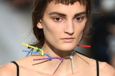 Vijf weetjes over London Fashion Week, dag vier - De Standaard: http://www.standaard.be/cnt/dmf20150922_01880151?utm_source=facebook