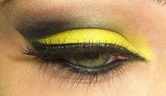 Maquillaje amarillo - verde fosforescente
