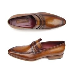 Loafer style men's handmade shoes. Brown antiqued hand-painted leather upper with leather sole and bordeaux leather lining. This is a made-to-order product. Please allow 15 days for the delivery. Because our products are hand-painted and couture-level creations, each item will have a unique hue and polish, and color may differ slightly from the picture. Color: As Per Description Material: Calfskin Item Fit / Dimensions: As per size guide Made In: United States Shipped From: United States…